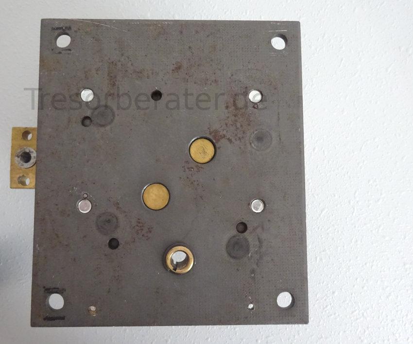 Grundplatte mit Tresorschloss und indirektem Antrieb